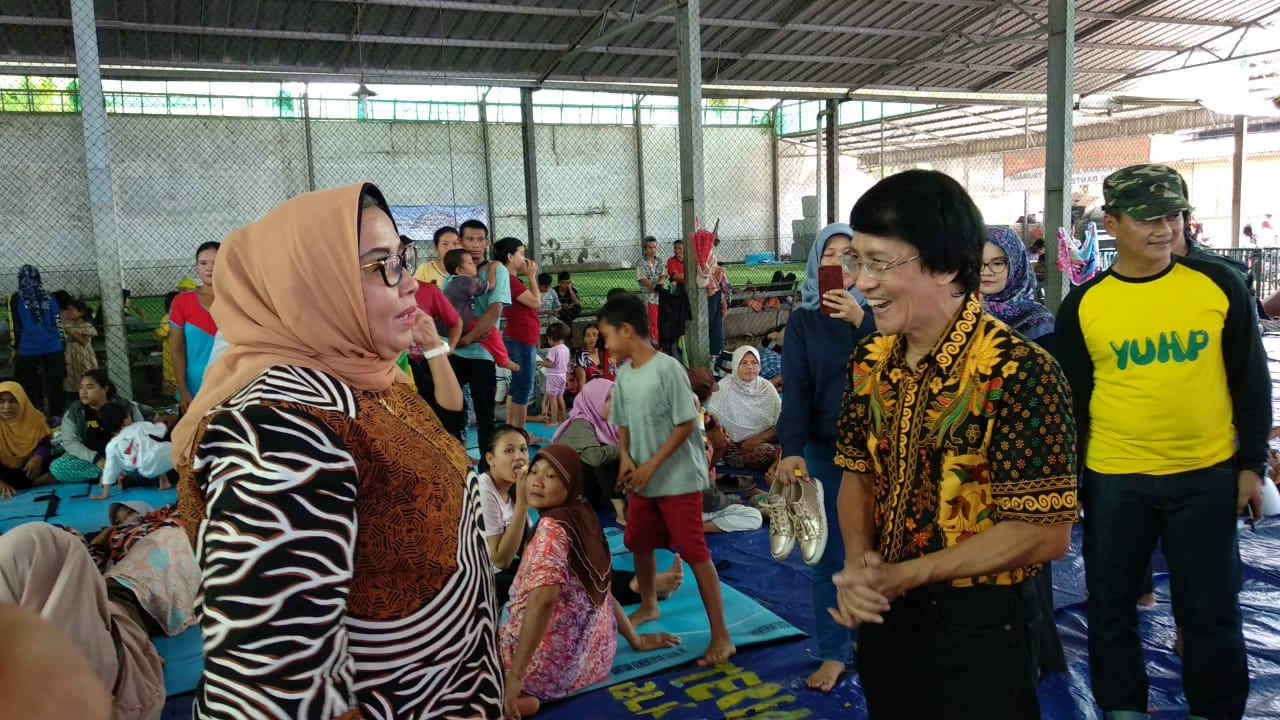 Kejati Serahkan Bantuan Untuk Korban Tsunami Banten